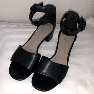 Clarks Collection Sandals Size 7